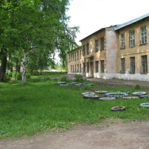 Маленькая школа (май 2010 года)