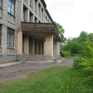 Главный вход (май 2010 года)