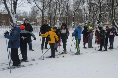 На старте лыжного забега