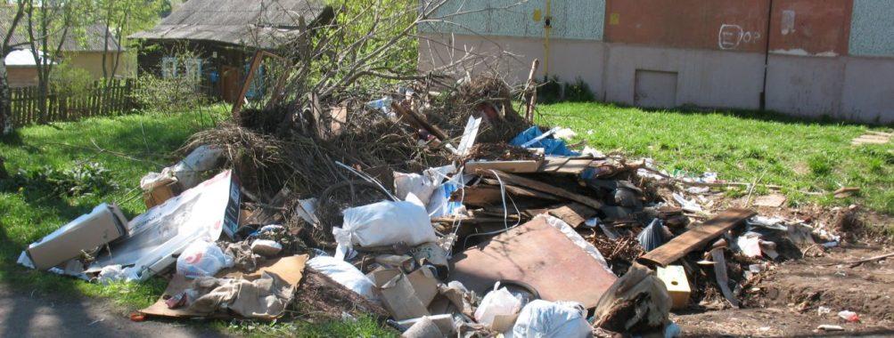 Майские мусорные традиции